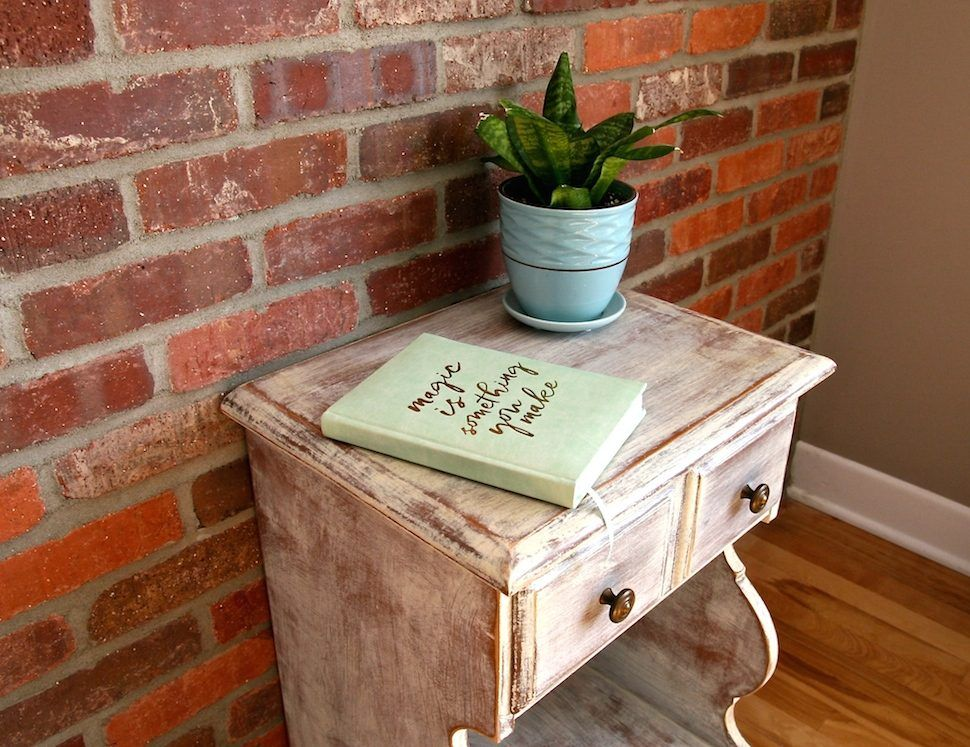 Tables de chevet vintage relookées Style shabby chic Peinture à la - Peindre Table De Chevet