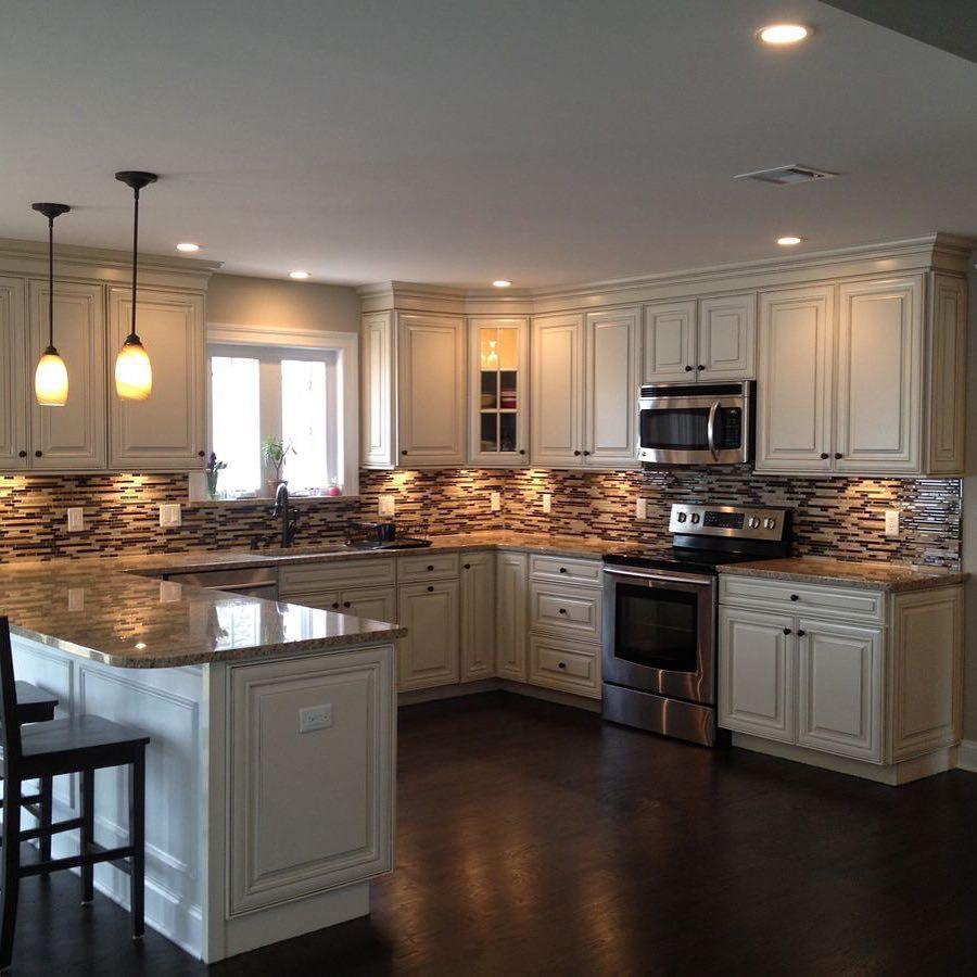 28 Small Kitchen Design Ideas: Azita Raissi (@kitchen_design