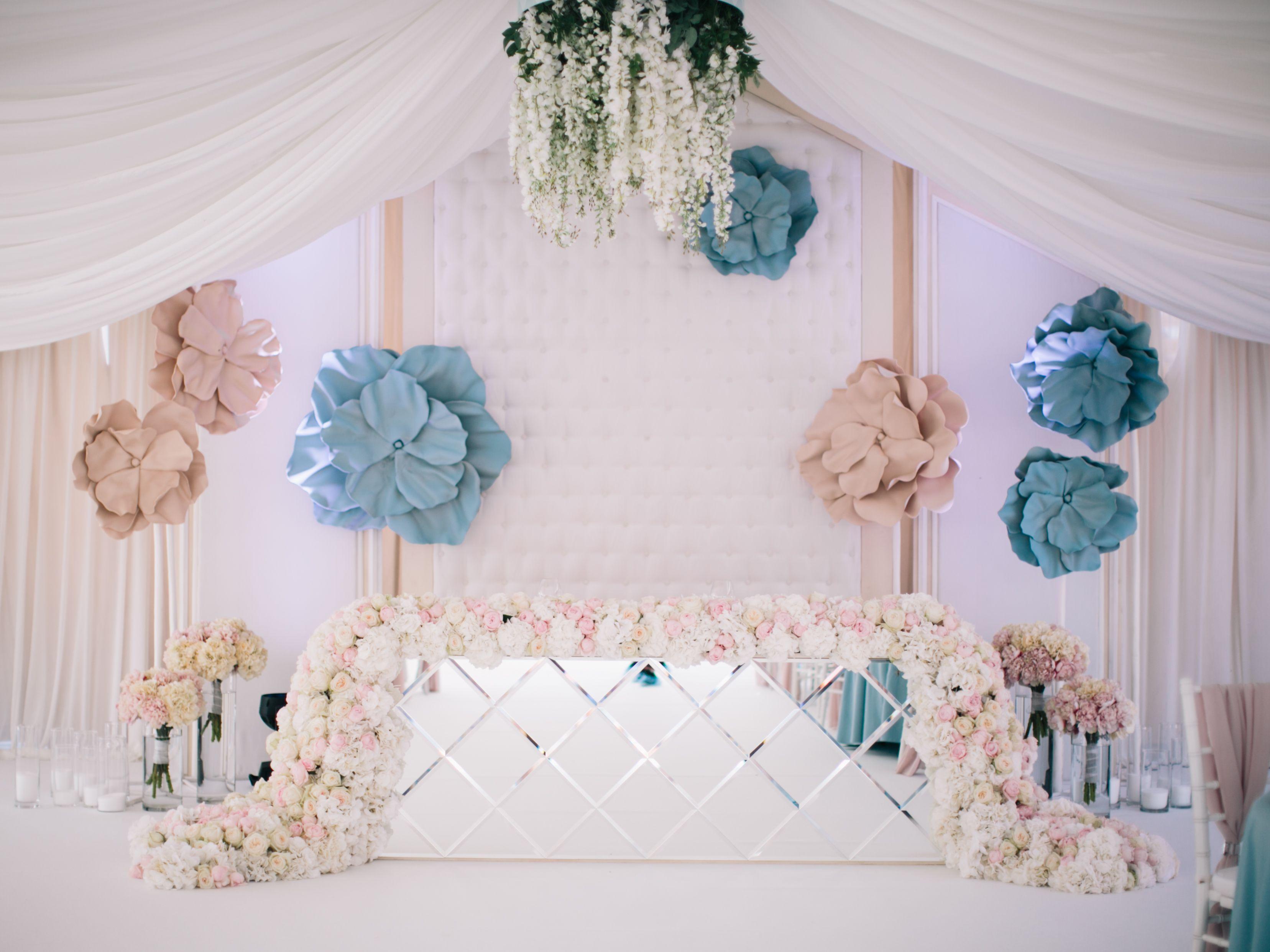 Wedding sweethearts table, wedding decor, wedding flowers, wedding