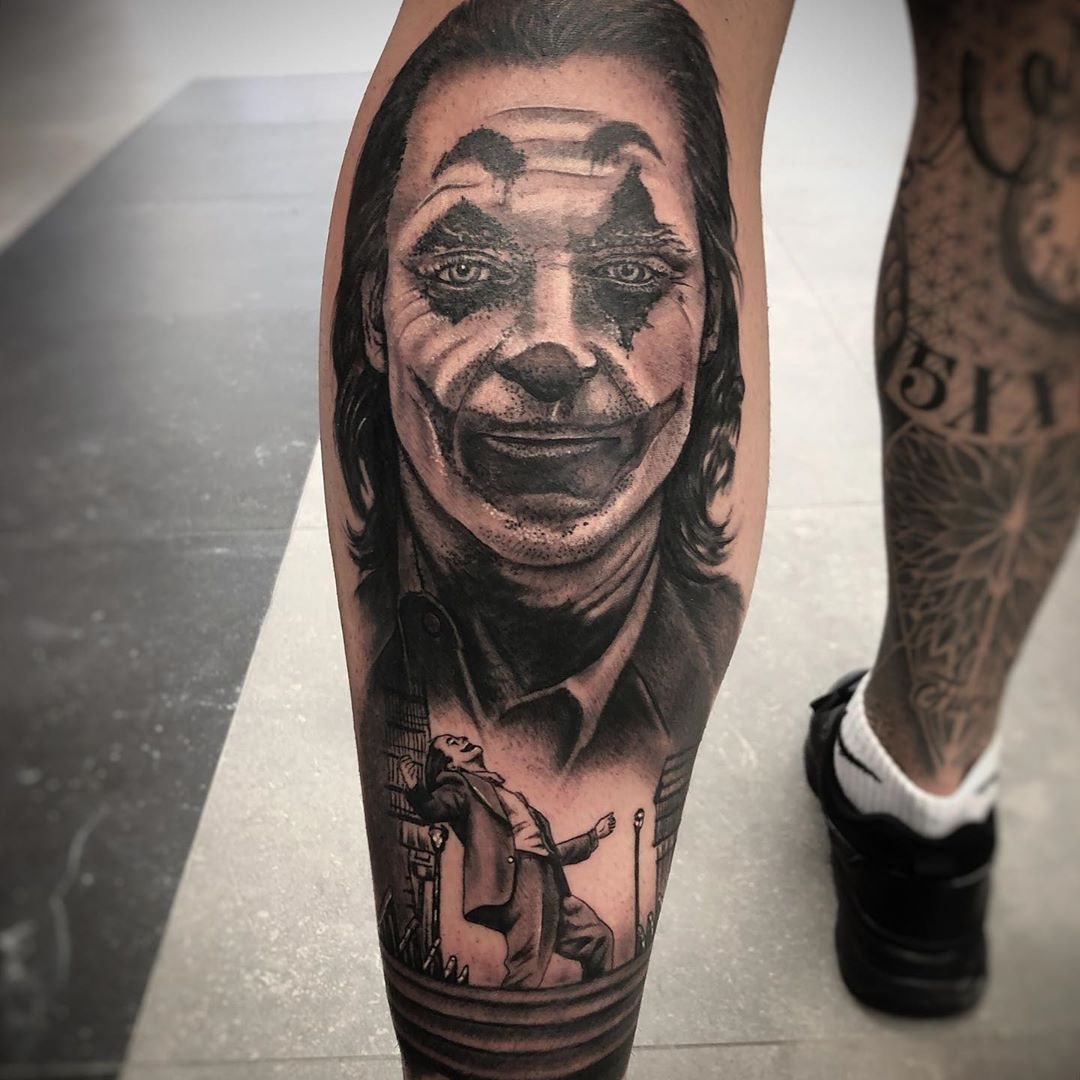 "Tatuajes 🔹 JkVergara on Instagram: ""Joker 🤡....realizado en @atomicatattoo #tattoo #tatuajes #joker #jokertattoo #tatuajejoker #realistictattoo #realismotattoo…"""