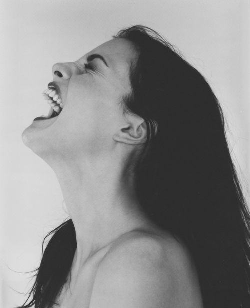 laugh | yell ~Liv Tyler