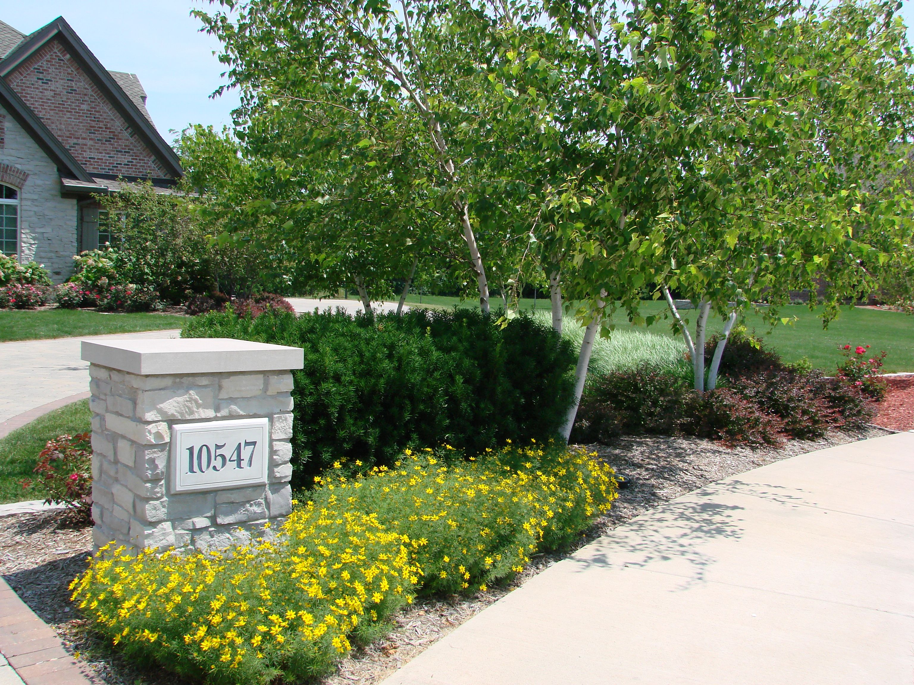 Light Post For Driveway Design Ideas, Pictures, Remodel ... |Driveway Entry Lights