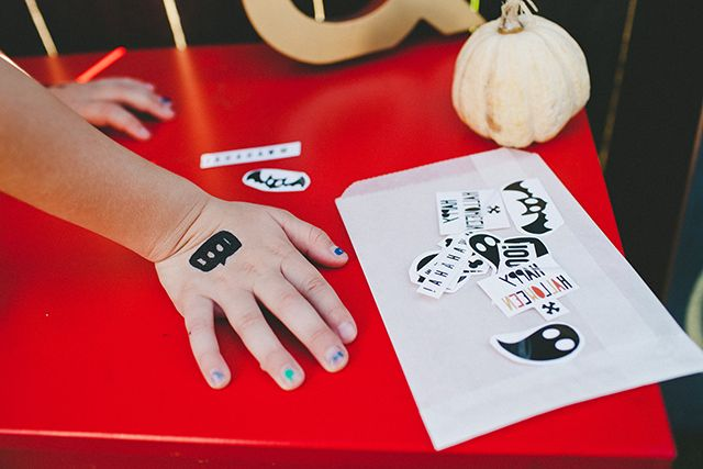 Tatuajes temporales plantilla imprimible inspirados en halloween para peques >> Halloween printable tattoos