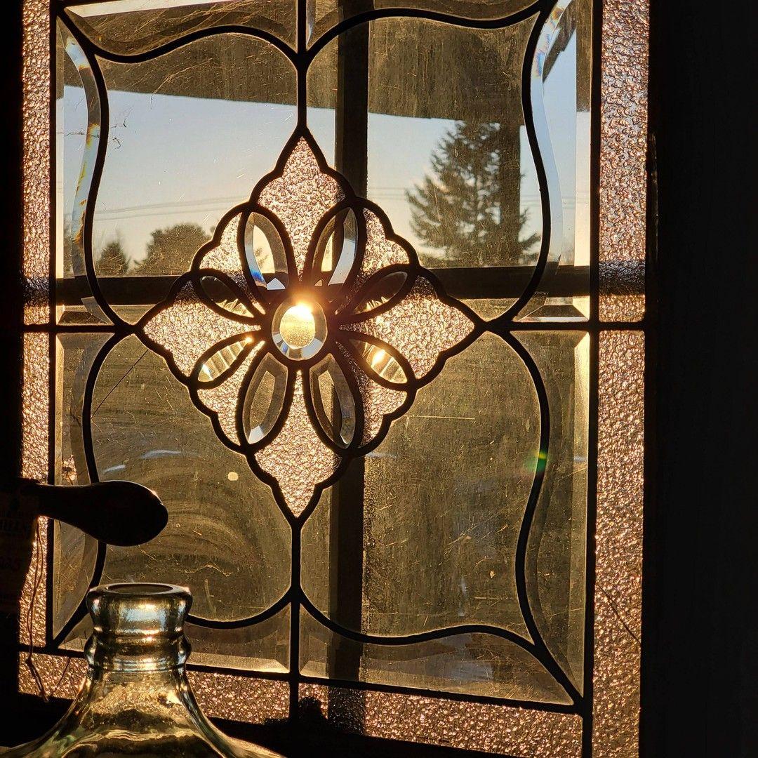 Ladies and Gentlemen, The Sun. • • • • • • • • • #architecturalsalvage#vintage#vintagefinds#antique#reclaimed#repurposed#homedecor#salvage#salvagestyle#salvagedinteriorstyling#homestyling#interiordesign#pnw#thegreatnorthwest#exploreoregon#oregon #auroramills #vintagefurniture #vintagedecor #vintagestyle #vintagetreasures #setdesign #setdesigner #vintagehome #makeyourownstyle#🌞#interiordesign#interiordesigner#interiordecorating#interiordecor#treasurehunt