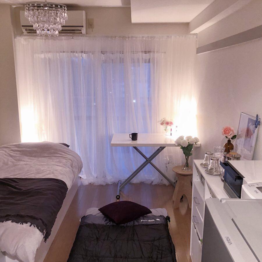 大人女子が真似したくなる ワンルームでも広くおしゃれに見せるインテリア 収納のコツ 寝室 レイアウト 6畳 一人暮らし部屋レイアウト インテリア