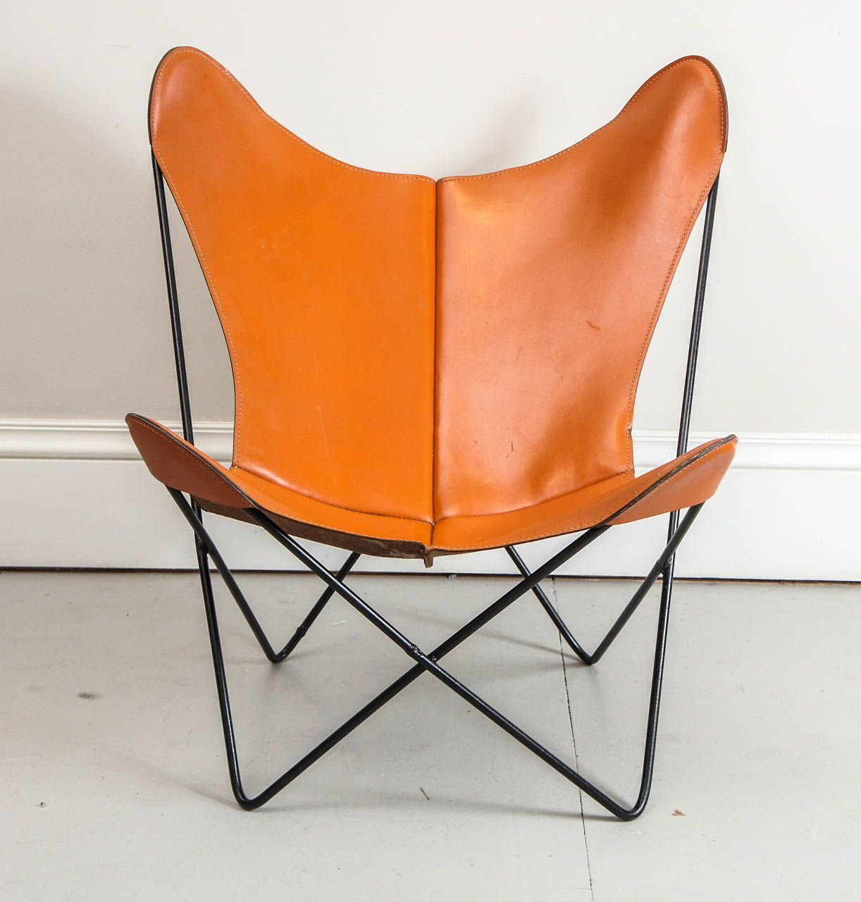 Mid Century Hardoy Butterfly Chair In Leather