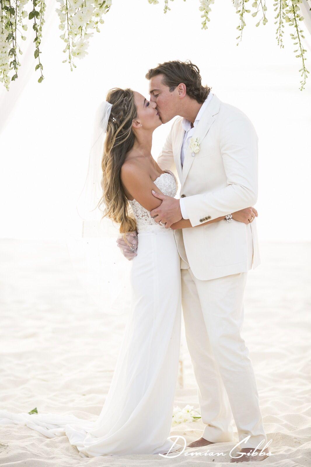 Beach wedding kiss wedding ideas pinterest wedding kiss beach