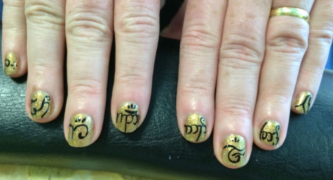 My fabulous Lord Of The Rings Elvish Nails. I took a pinterest pic ...
