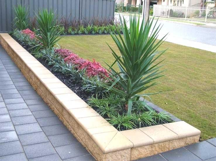 Front yard gardens gallery landscape inspirations s for Front garden bed ideas