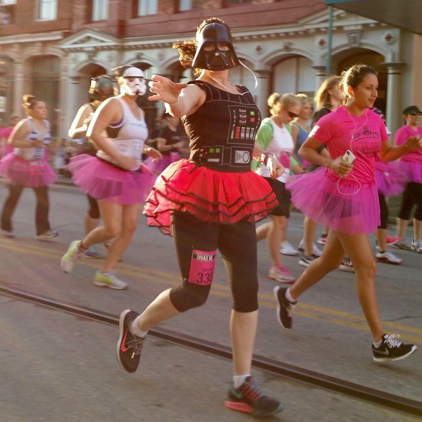 Thoughts While Running A Half Marathon Half Marathon Goofy Costume Run Like A Girl