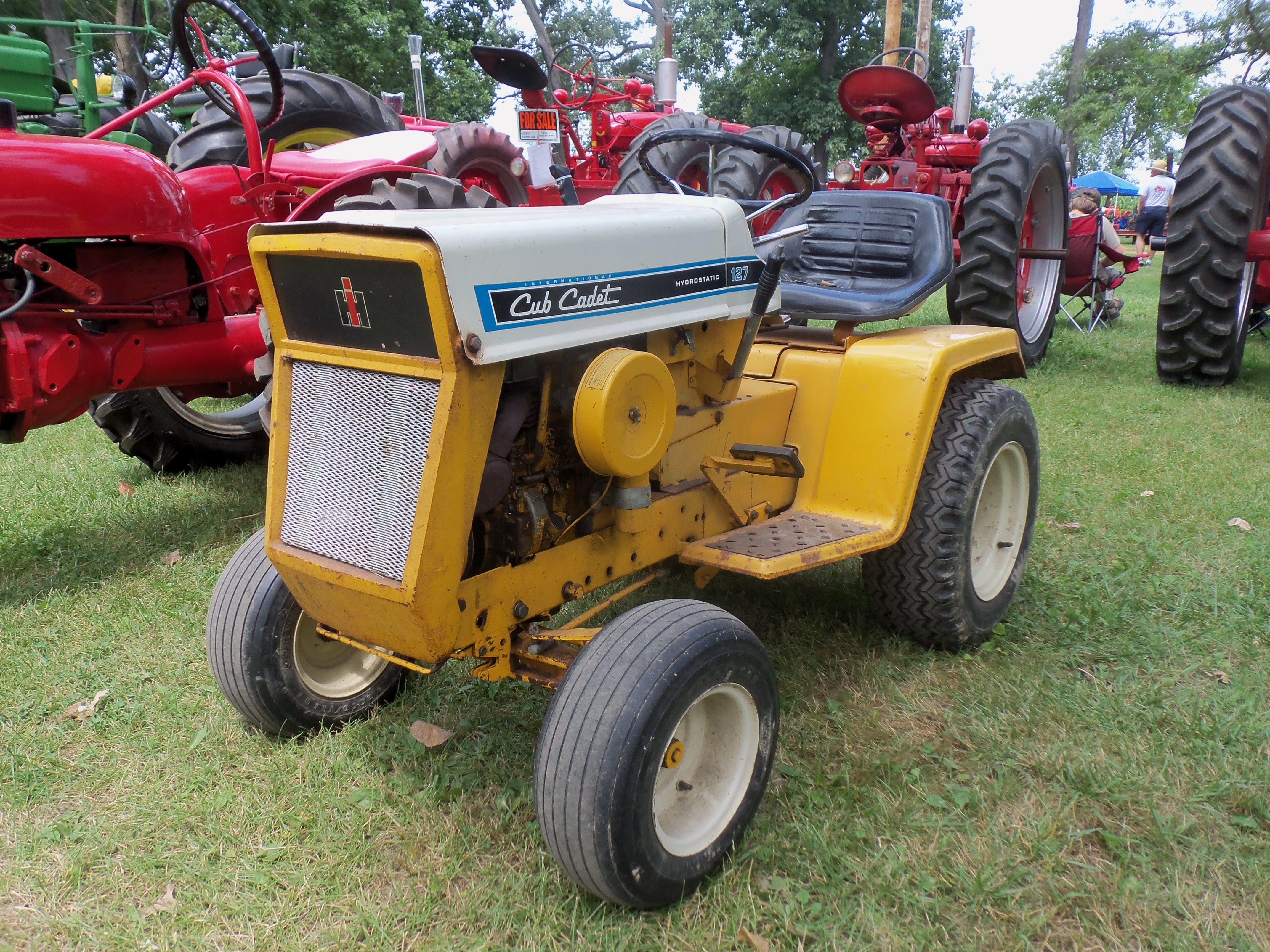 Old International Cub Cadet Lawn Tractor : Cub cadet lawn garden tractor ih farmall