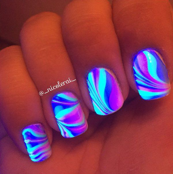30 eye catching glow nail art designs glow nails eye and dark 30 eye catching glow nail art designs prinsesfo Image collections