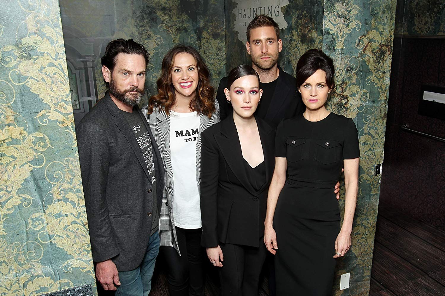 Carla Gugino Henry Thomas Kate Siegel Oliver Jackson Cohen And Victoria Pedretti At An Event For The Haunt Carla Gugino Oliver Jackson Cohen Horror Novella