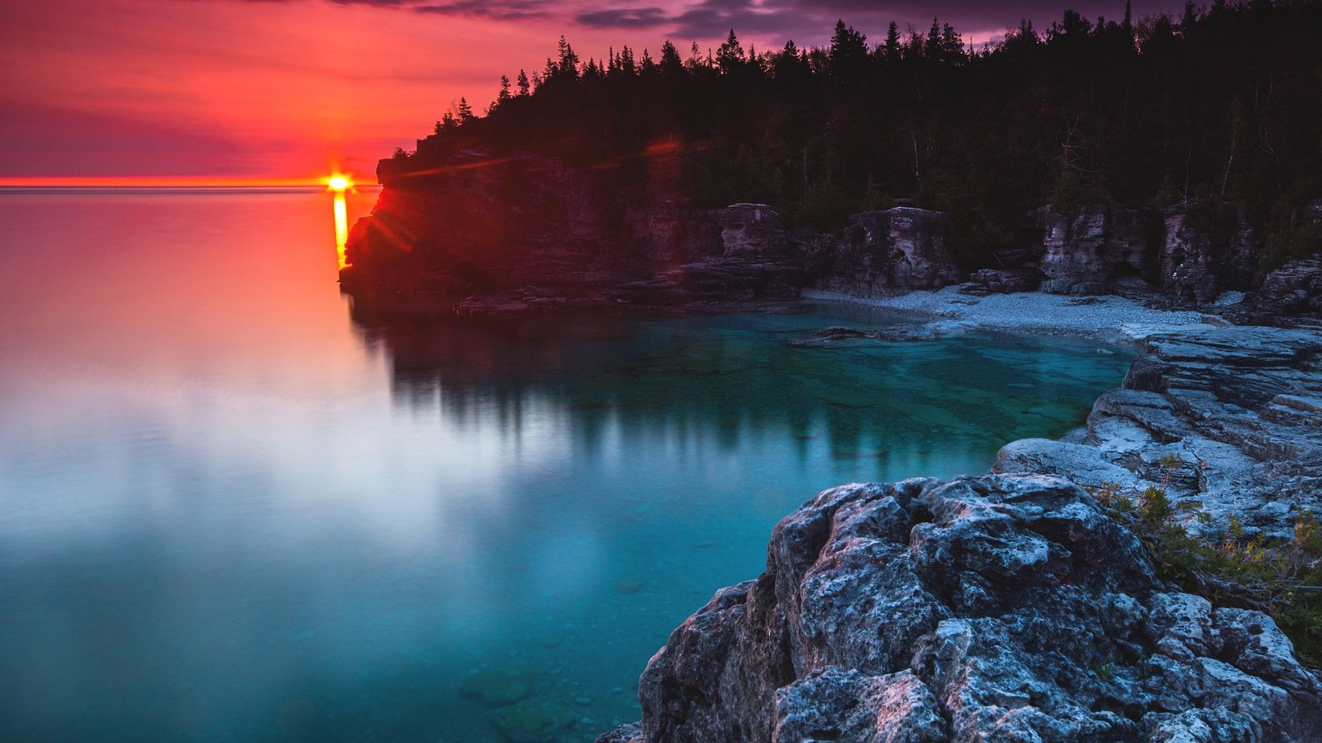 Indian Head Cove sunrise flare, Bruce Peninsula National