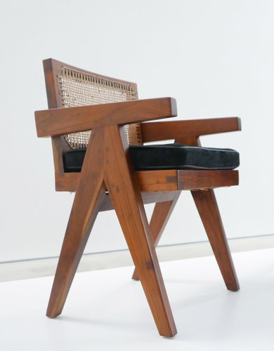 This Chair Comes From Chandigarh India In 2020 Conference Chairs Pierre Jeanneret Teak