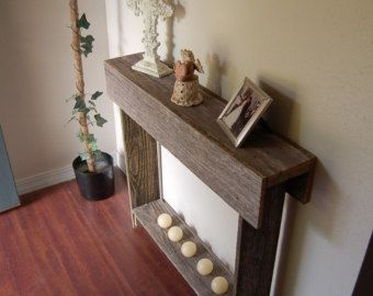 Thin Console table Wedding Gift Entry Way Table. von TRUECONNECTION