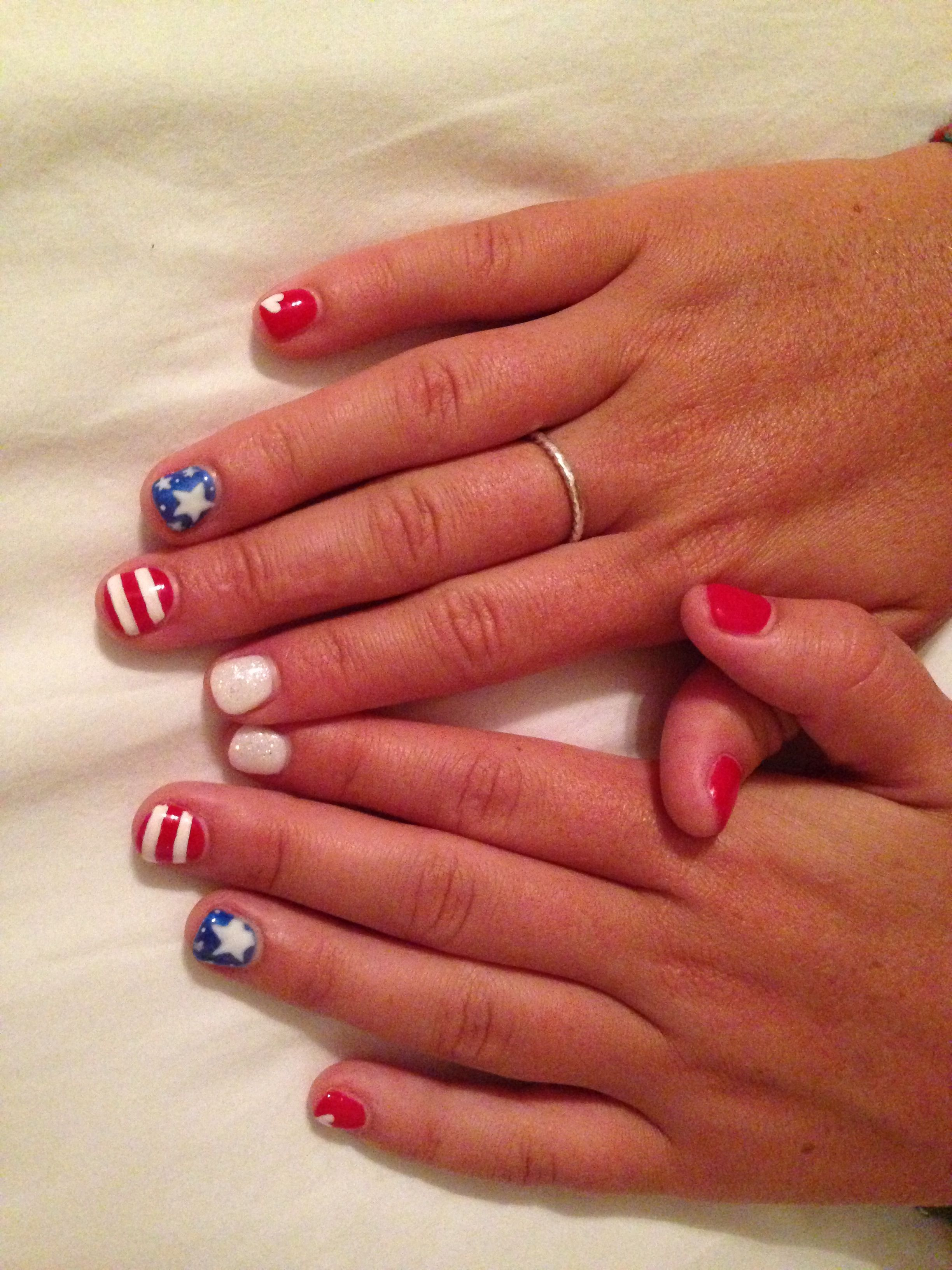 4th of July nail inspiration // love these patriotic manicure ...