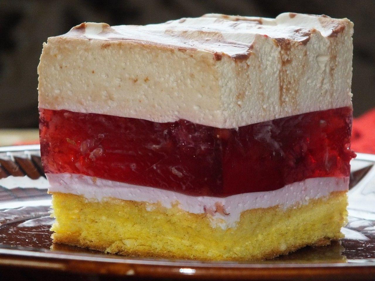 Warstwowe Wysokie I Kolorowe Ciasto Z Owocami Galaretka Smietanka