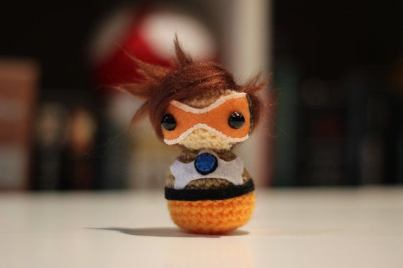 Crocheted Tracer amigurumi from the Overwatch | Geek crafts ... | 380x570