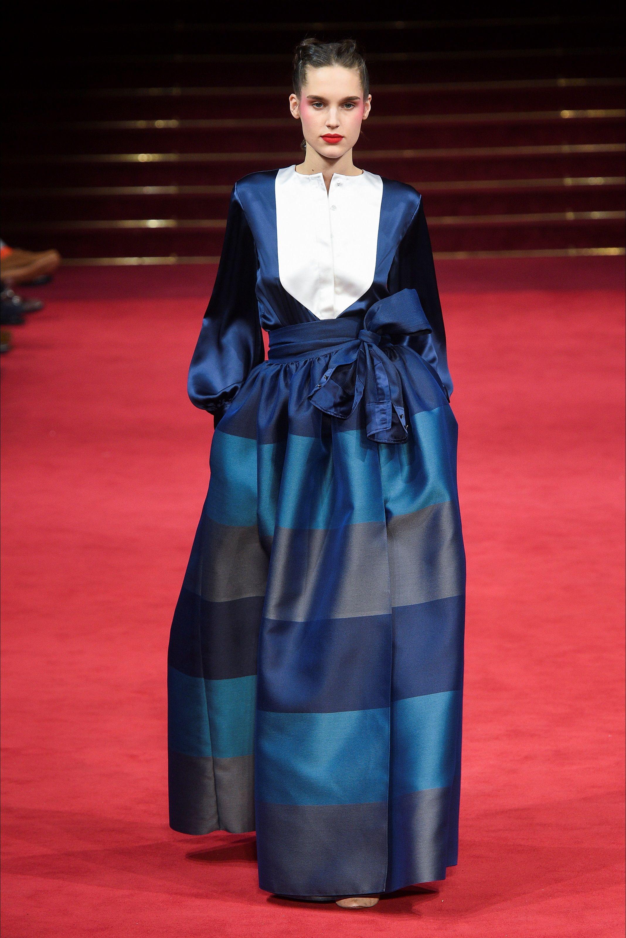 Sfilata Alexis Mabille Parigi - Alta Moda Primavera Estate 2018 - Vogue 88c465865c1