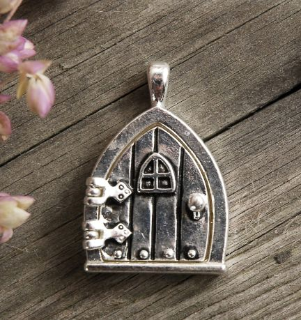Silver Charms 1 in. Fairy Door with Window (opens) Locket $3.99 each / & Silver Charms 1 in. Fairy Door with Window (opens) Locket $3.99 ... pezcame.com