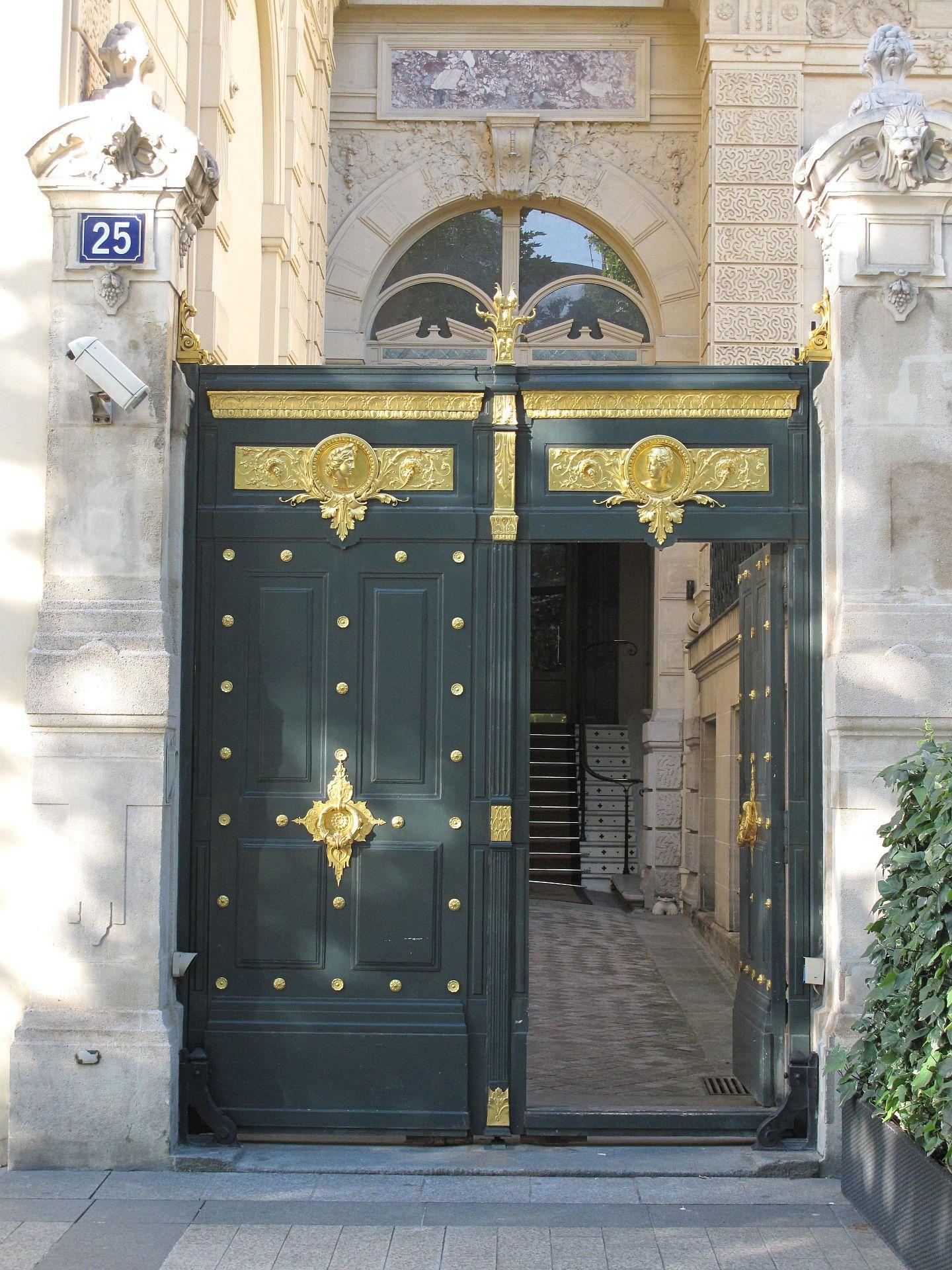 hôtel de la païva - entrance gate, 25 avenue champs d'elysses, paris