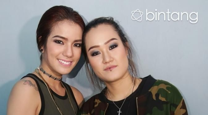 Sheila Marcia Belakangan Dikabarkan Menjalin Hubungan Dengan Melodya Vanesha Kabar Kedekatan Tersebut Mencuat Setelah Ada Foto Ciuman Me Selebritas Orang Anak