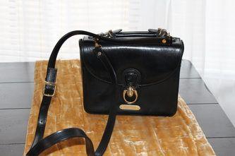 Vintage 1970s Ralph Lauren Black Leather Handbag -- Handbags - Inspirations by Rebecca -- 1970s Ralph Lauren Saddle Bag -- www.inspirationsbyrebecca.com