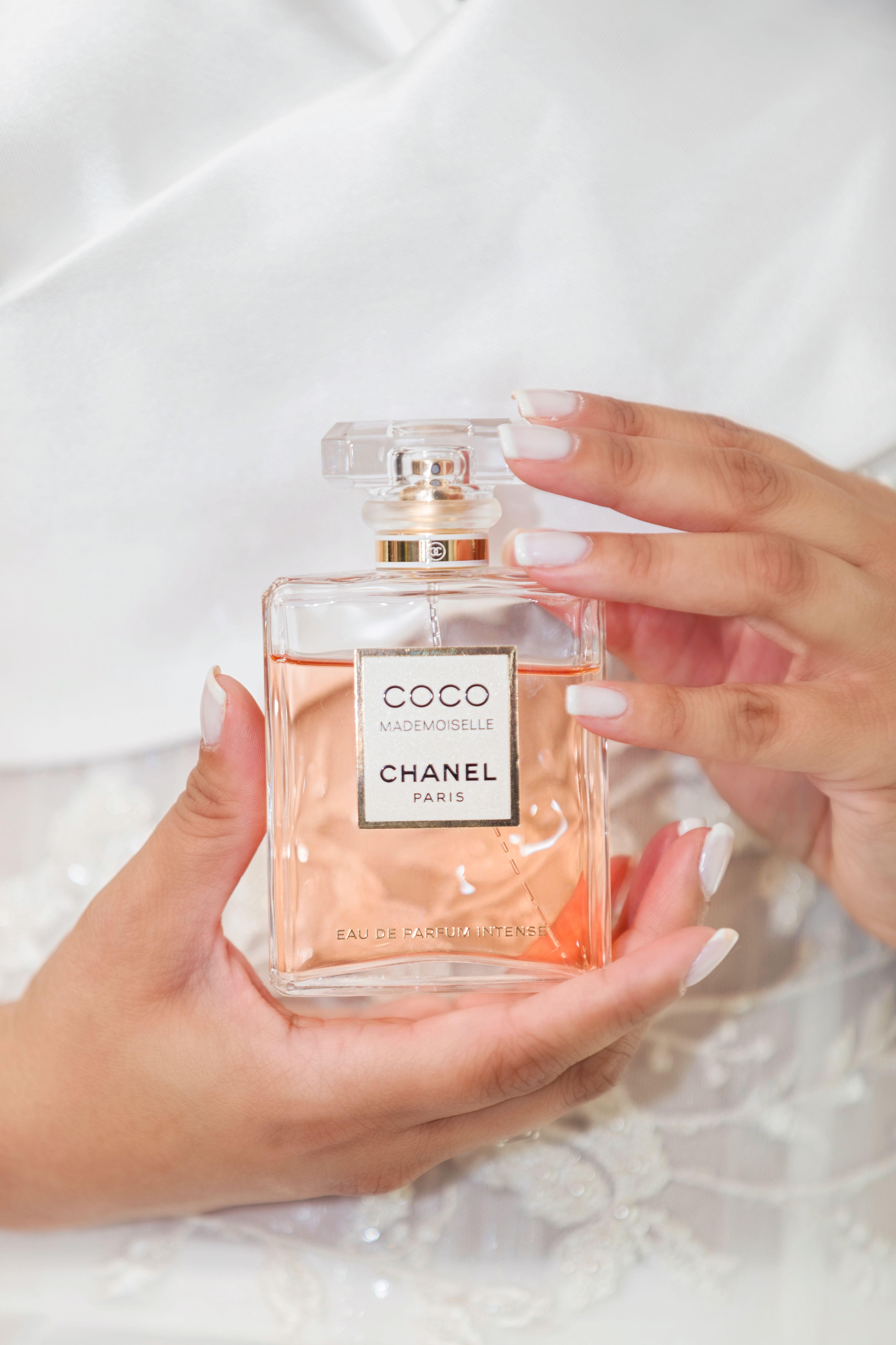 Wedding Photos Bridal Prep Perfume Photo Chanel Coco Mademoiselle Mademoiselle Perfume Perfume Scents Luxury Perfume