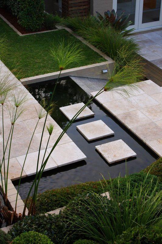 Cheminement extérieur / bassin / eau | Jardin | Garden, Contemporary ...