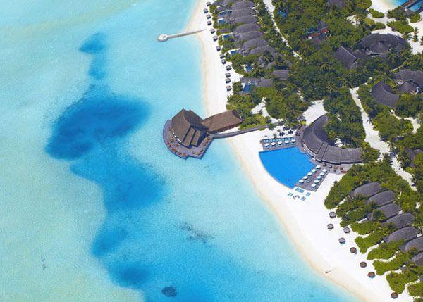Fascinating Holiday Retreat: Anantara Dhigu Resort in Maldives