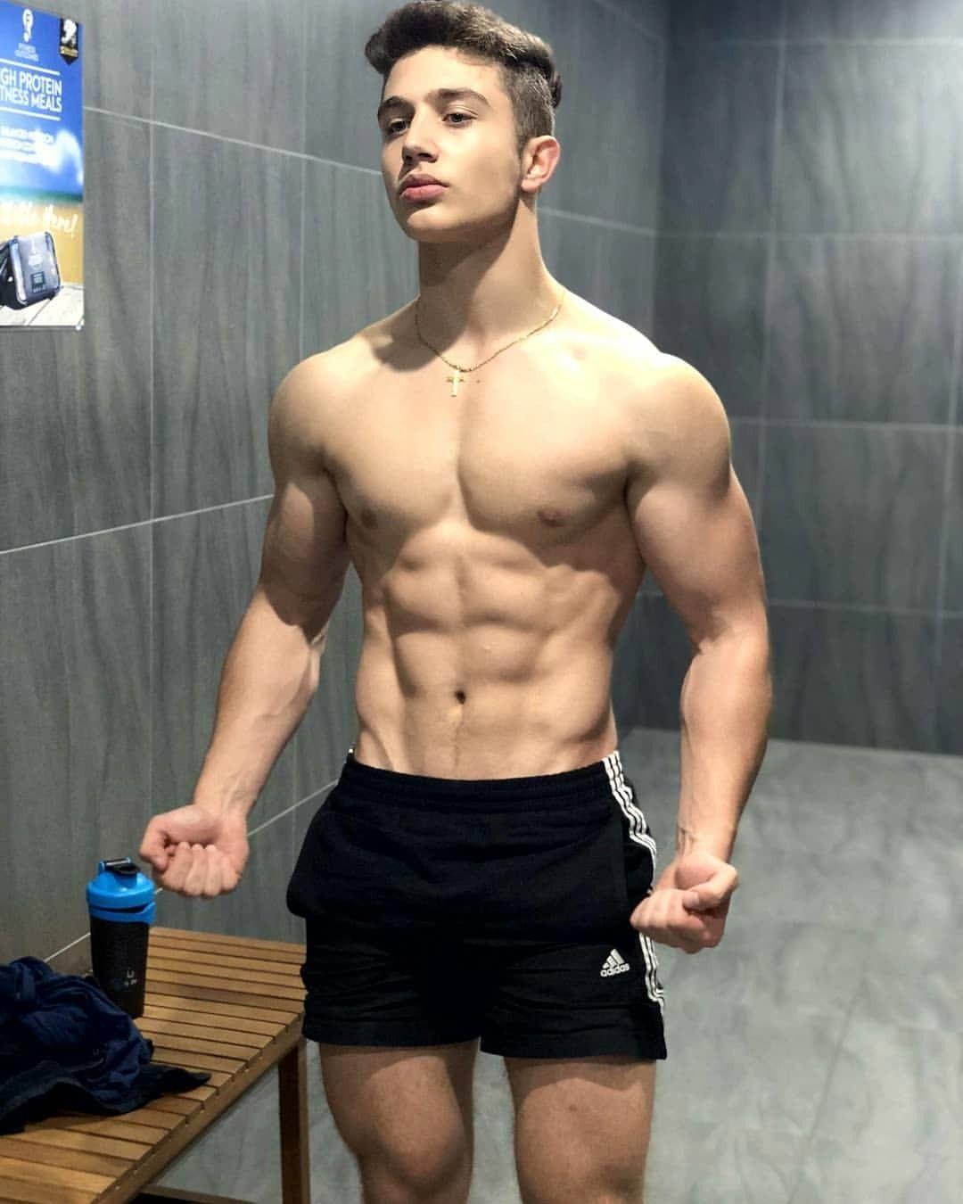 Workout Boyz' sexy Coach