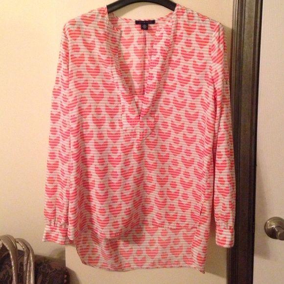 Tommy Hilfiger blouse! Adorable Tommy Hilfiger heart blouse. Size small! Tommy Hilfiger Tops Blouses