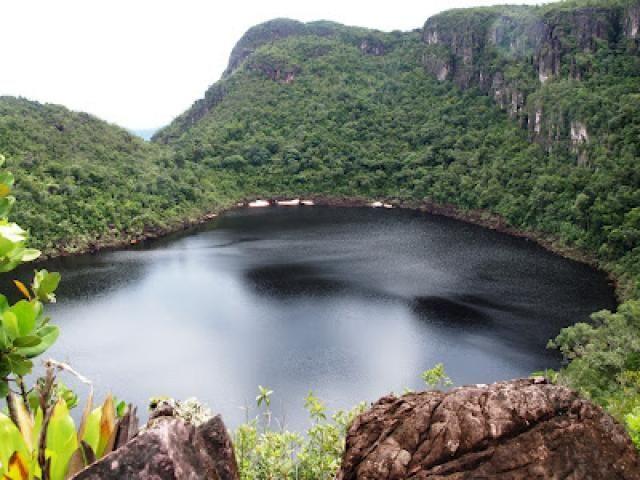 En que pais se encuentra el lago mas grande del mundo
