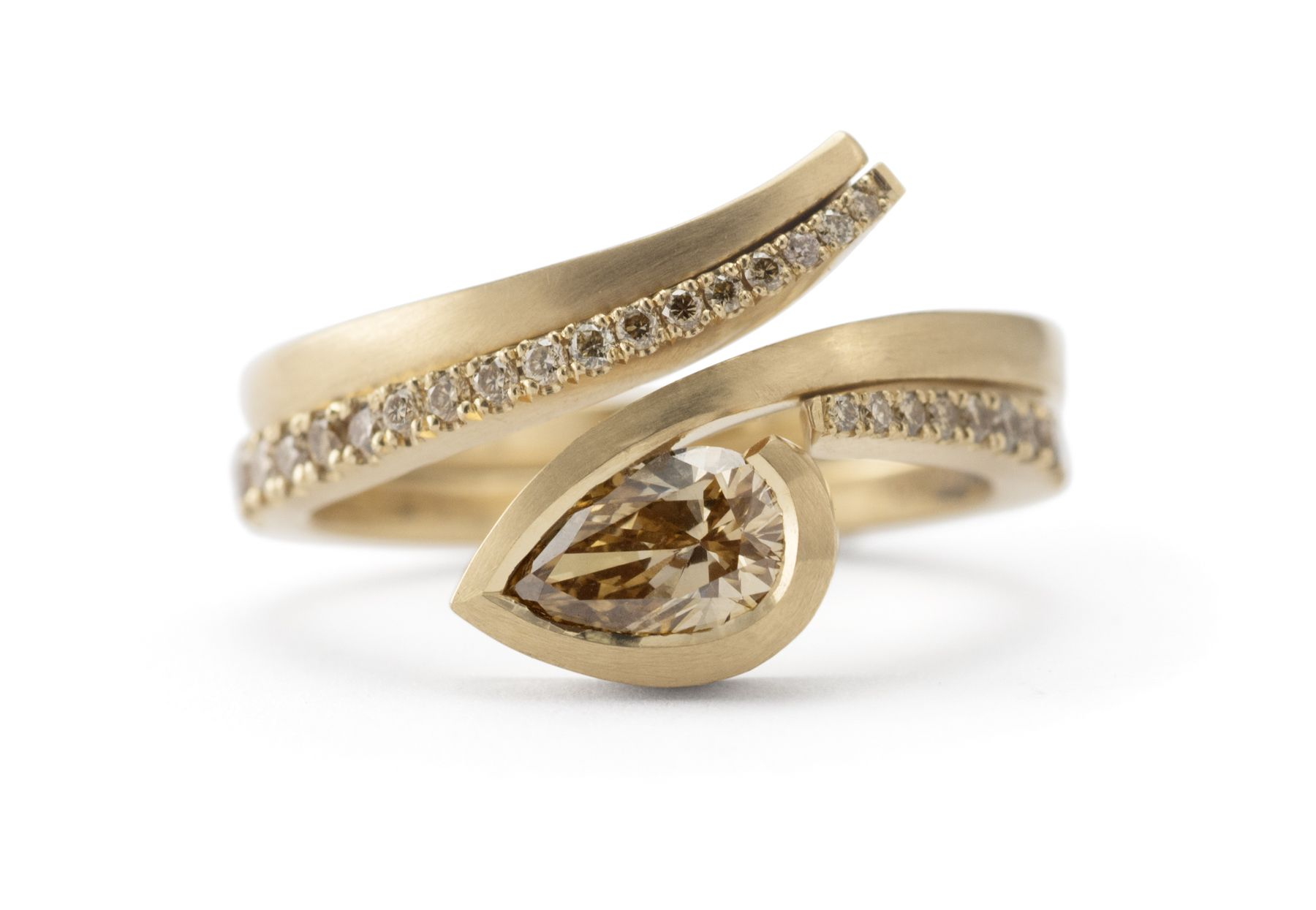 A refined, contemporary design. A stylish 18ct rose gold open seamed ...