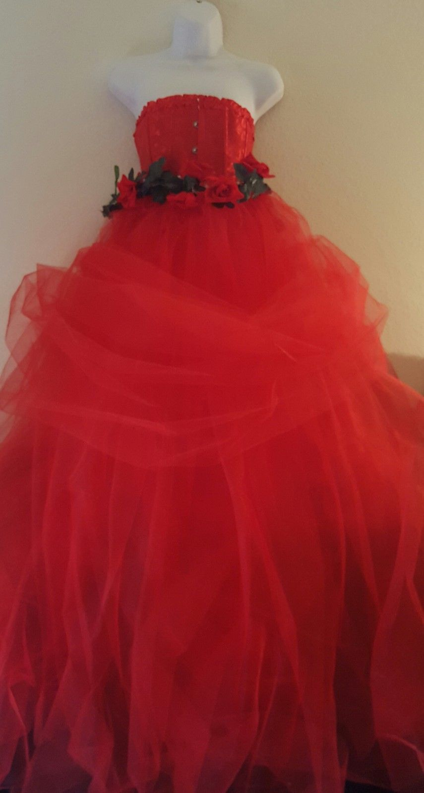 Awesome amazing romantic red rose valentine strapless corset tulle