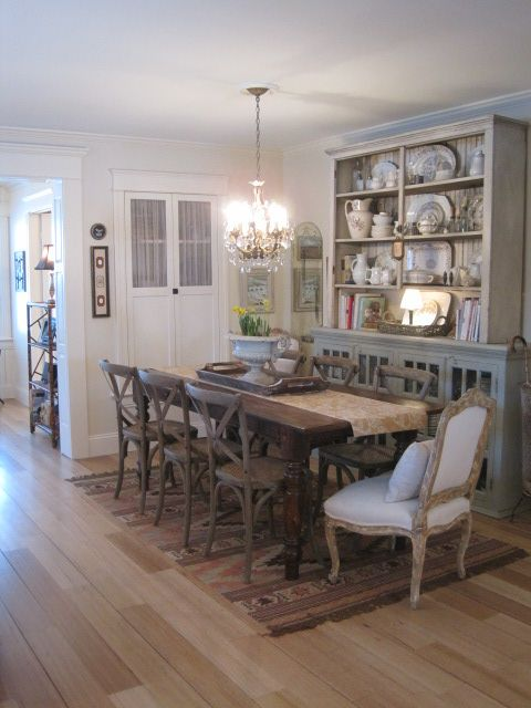 Cottage Dining Room Idea For Grandmas Hutch