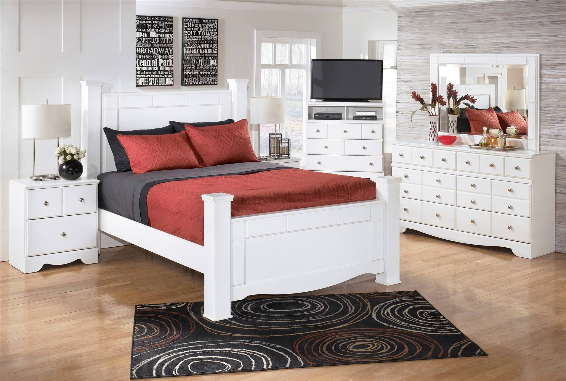 Weeki Queen Poster Bed | Things I love | Pinterest