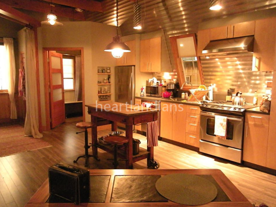 Heartland season 10... LOVE | Barn loft, Barn loft apartment ...