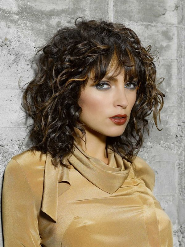 Mittellange Frisurentrends 2019 Hair Layered Curly Hair Curly
