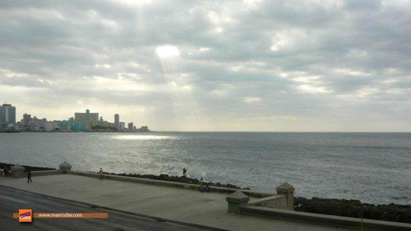 Hostal Casa Lachy y Yeni, frente al malecón, en primera línea de mar