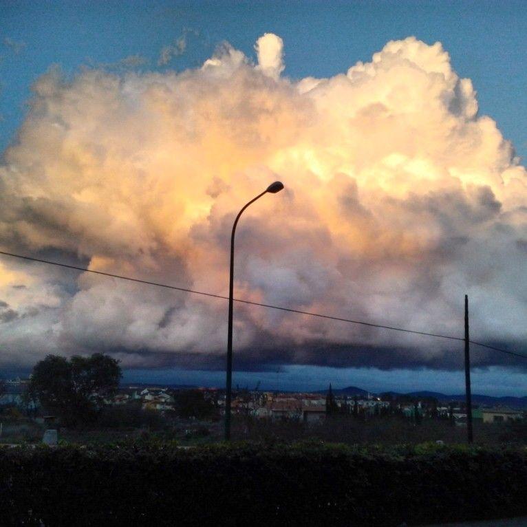 Nubes de atardecer sobre Valencia #valencia