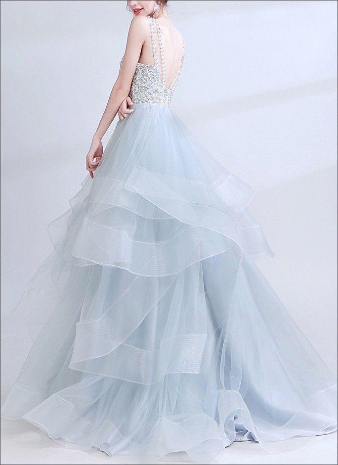 Modern geschnittenes Brautkleid | Brautkleid, Braut, Kleider