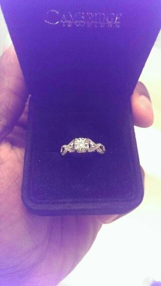 My engagement ring! !!!
