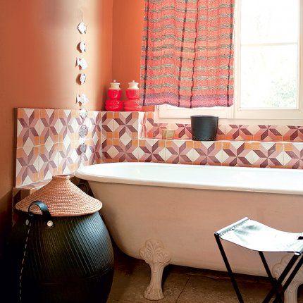 Ocre, rouille, sable et terre, une salle de bain à l\'atmosphère ...