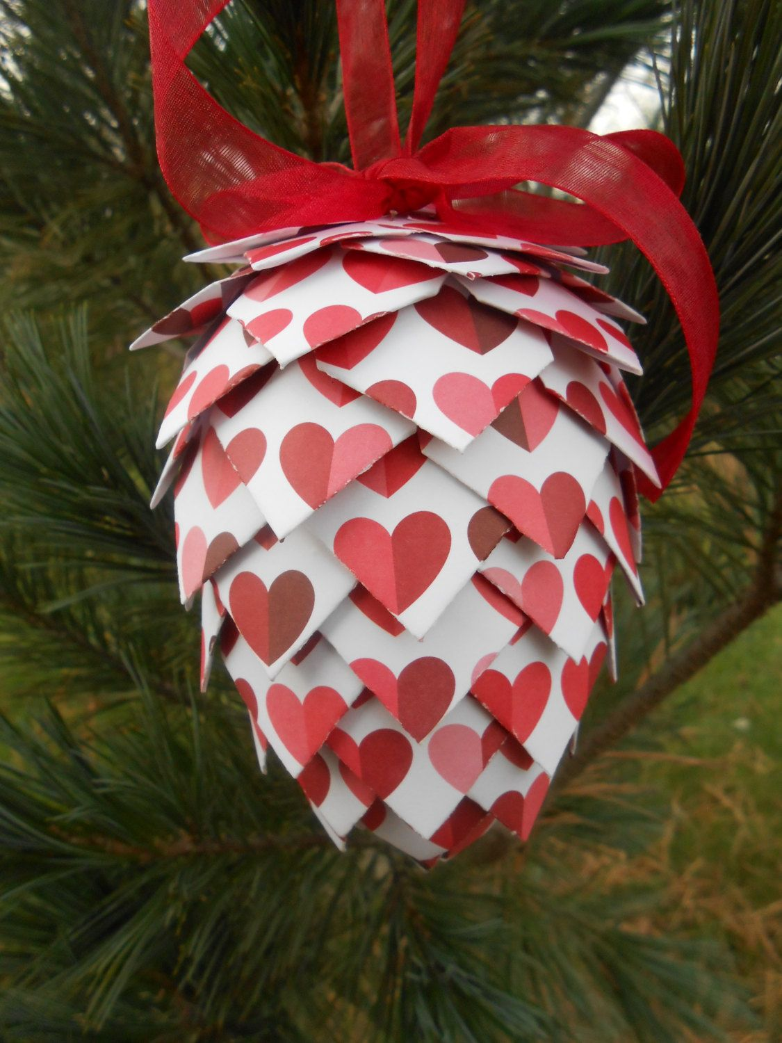 Heart Paper Pinecone Ornament Decoration Christmas Gift Etsy Pinecone Ornaments Paper Hearts Paper Flowers