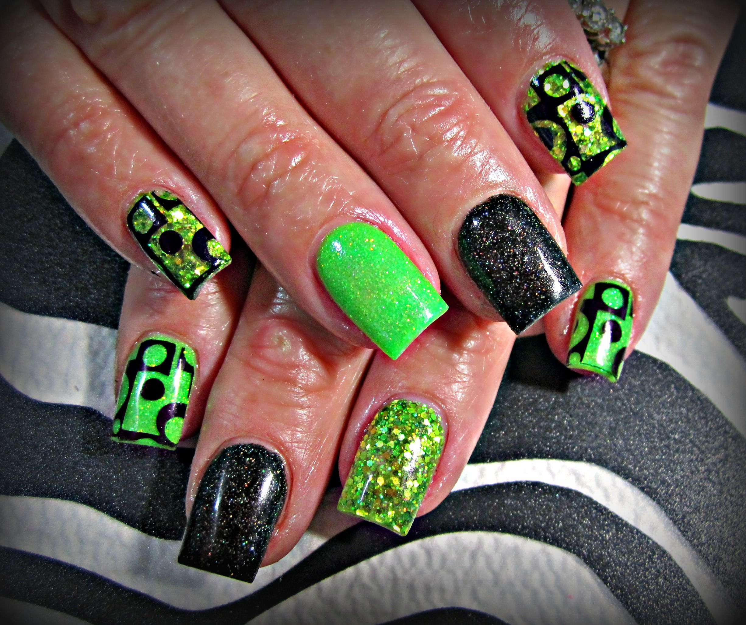 Neon Green And Black Acrylic Nails Nails Nail Art Green Nails