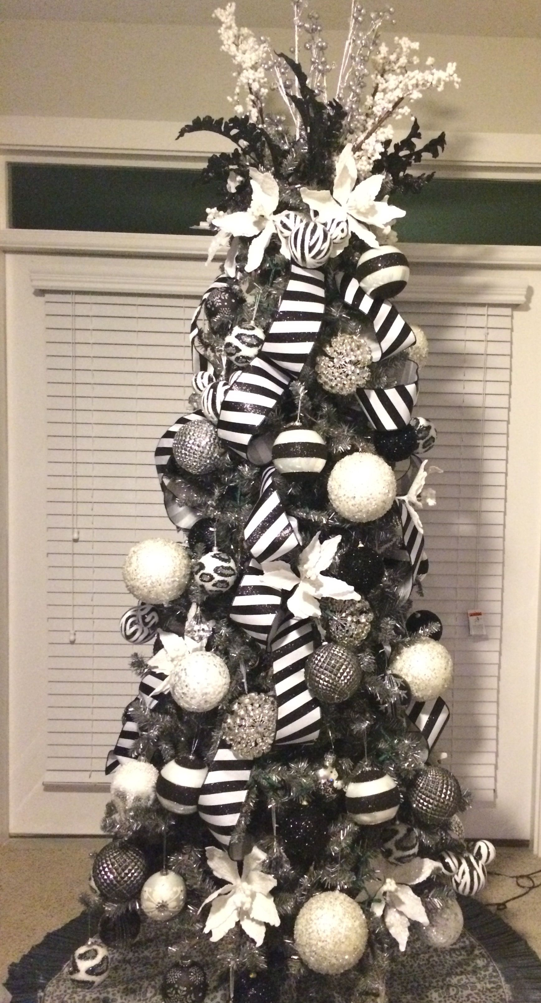 Dark Gray Pewter Tree With Black White Silver And Bling Ornaments Black Christmas Trees White Christmas Tree Decorations Christmas Tree Themes