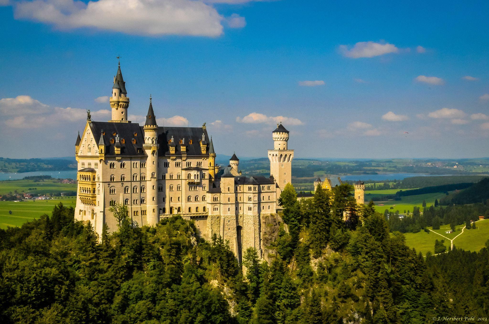 Schloss Neuschwanstein Im Schwangau Fussen Ostallgau 1 3 Castle Pictures Neuschwanstein Castle Fairytale Castle