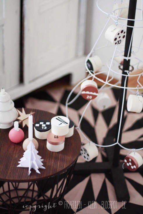 Fräulein Klein : Adventskalender No. 2 - DIY Weihnachtsbaum aus Lampenschirmen